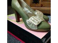 Minute heels