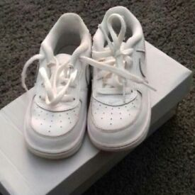 infant white Nike air force size 7.5