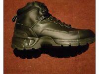 Brand new magnum strider boots size 10