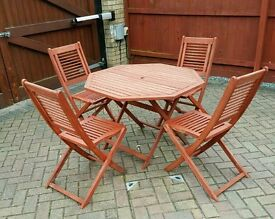 *URGENT*- Outdoor wooden patio furniture set