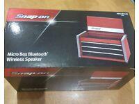 Snap-On bluetooth speaker tool box red
