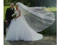 Must see.Stunning white wedding dress matching veil & tiara