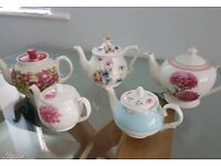 Set of 5 tea pots