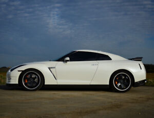 2014 Nissan GTR Black Edition - Low KMs