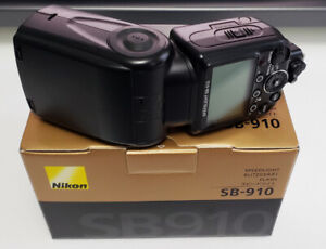 Nikon SB-910 Speedlight - Great Condition