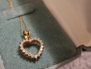 10 KT Solid Gold Heart Necklace