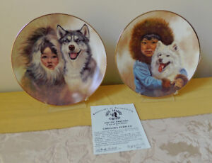 """""""Arctic Friends"""" set of 2 Collector's Plates"""
