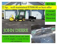 john deere 22hp  and acc , 800 hrs , 1 owner