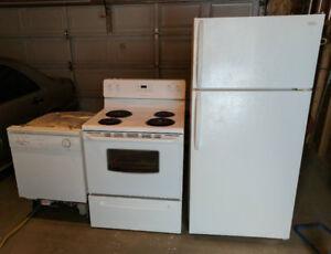 Full set of working good condition white kitchen appliances