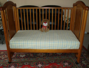 Solid Wood Toddler Bed with Waterproof Mattress / Bed Rail