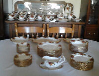 Vintage Royal Albert Old Country Roses Full Service for Twelve