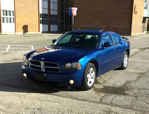 Clean 2010 Dodge Charger SXT Sedan