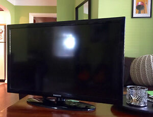 "32"" Samsung LED Faltscreen TV"
