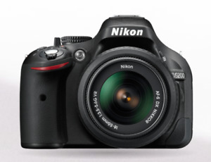 New Nikon D5200 Digital SLR Camera [MINT CONDITION]