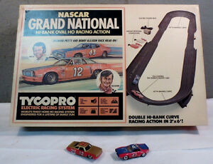WANTED YOUR OLD SLOT CAR RACE SETS AND CARS