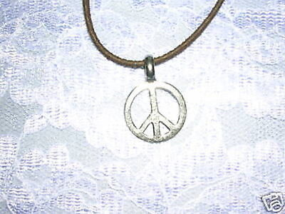 60'S STYLE SMALL PEACE SIGN PEWTER PENDANT BROWN 18