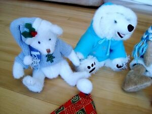 5 Assorted Christmas Plush + 1 Hat - Selling the whole lot Kitchener / Waterloo Kitchener Area image 3