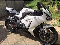 2014 Honda CBR Fireblade ABS pearl white 1000cc