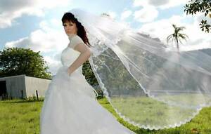 Stunning long  veil white with 2 tiers & lace edging Glenelg Holdfast Bay Preview