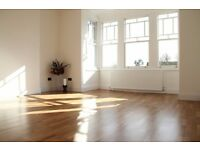Available now - Great Location - 3 Bed, 2 Bath, Ground Floor - Furnished / Unfurnished - £2,400 PCM
