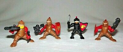 Vintage lot of 4 Fisher Price Knight Figures Shield Great Adventures Castle 1994