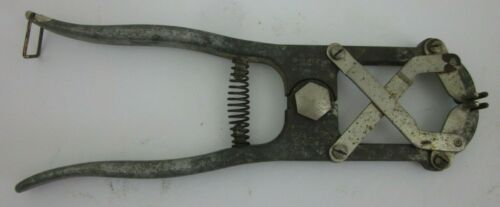 Vintage Ideal Instrument & MFG Co. Animal Castrating Band Applying Tool