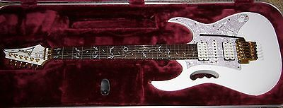 Used, IBANEZ JEM7V STEVE VAI SIGNATURE GUITAR, WHITE NEW CONDITION WITH HARD CASE for sale  Boulder