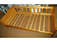 Pine daybed/sofa/single bed with mattress