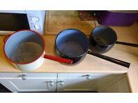 3 VINTAGE ANTIQUE ENAMEL SAUCEPANS, 1950S LONG HANDLE GYPSY PANS, GARDEN PLANTERS, SHABBY CHIC