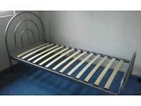 Bed frame single - sprung slats