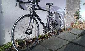 Raleigh Revenio Road bike - 52 cm , black and white, very good condition