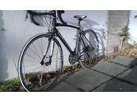 Raleigh Revenio Road bike - 52 cm , black and white, very good condition