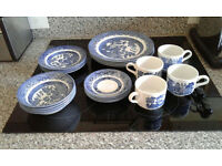 BLUE WILLOW-Dinner set -Made in England