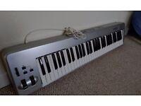 M-Audio 61es Semi-Weighted Keyboard