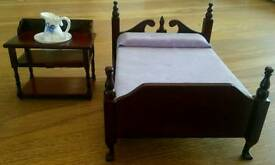 Doll's house furniture - Victorian bedroom set