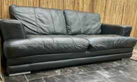 🚚🏴 Genuine Italian leather 3 seater sofa and arm chair.
