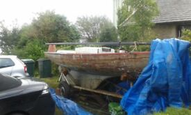 Loch long no 112 Vivid . Sails, mast, rigging and trailer . Project for wooden boat.
