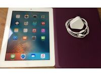 IPAD 2, 16GB, SCREEN IS LIKE NEW, QUALITY CASE