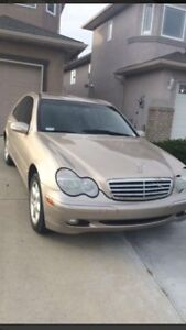 2001 Mercedes-Benz C320 fully loaded !
