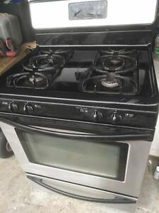 Frigidairy gas stove for sale