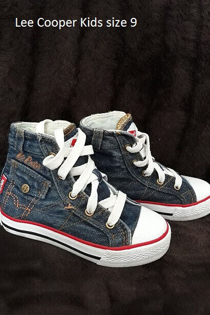 6f8e02060030 Lee Cooper Kids Shoes size 9