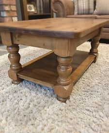 Gorgeous refurbished chunky farmhouse coffee table