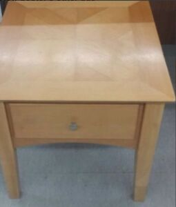 Small coffee/ side table solid wood 1 drawer Cambridge Kitchener Area image 1