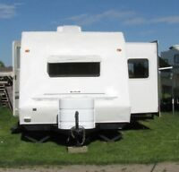2001 Keystone Columbia 26'FLS travel trailer