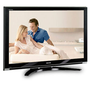"52"" Toshiba LCD Full HDTV FOR SALE, 1080p, FREE SMART TV BLUERAY"