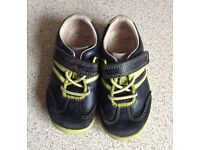 Clarks boys shoes size 5f
