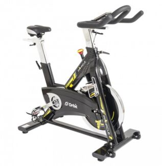 Commercial grade pinnacle spin bike