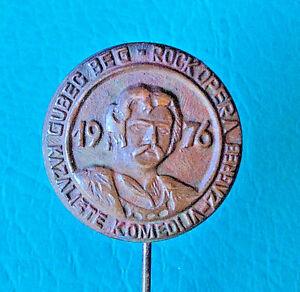 ROCK MUSIC - 1976 First Yugoslavian Rock Opera GUBEC BEG - vintage pin badge - <span itemprop='availableAtOrFrom'>VIENNA, Österreich</span> - ROCK MUSIC - 1976 First Yugoslavian Rock Opera GUBEC BEG - vintage pin badge - VIENNA, Österreich