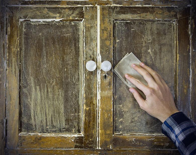 How to Refinish Cupboard Doors