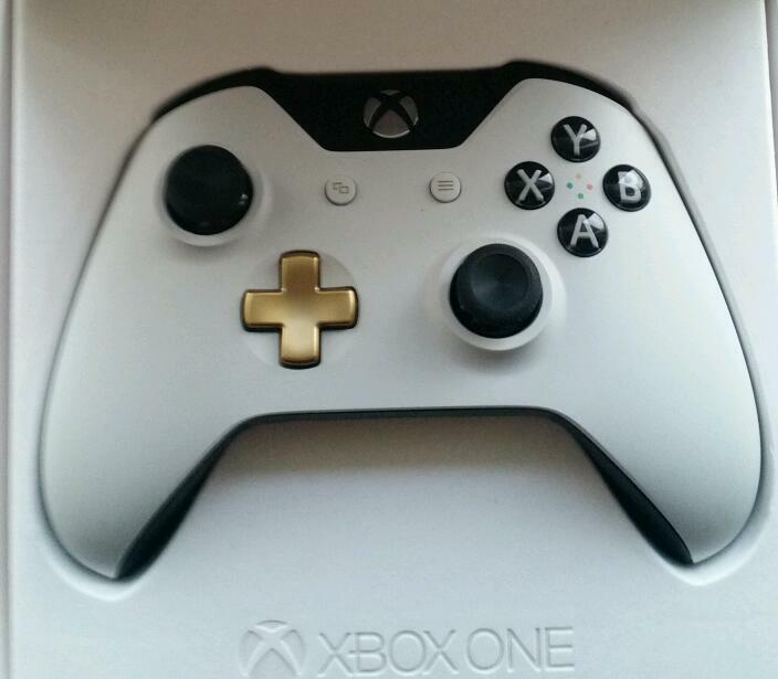 Xbox One Controller Lunar Edition white n gold. Worth £70 | in ...